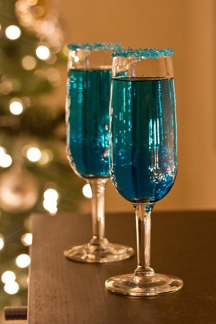Blue Sparkling Star Champagne Cocktails