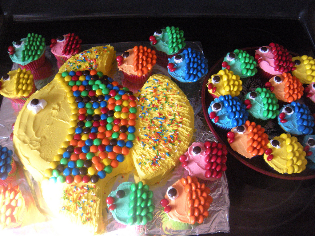 Tropical Fish Cupcakes and Cake