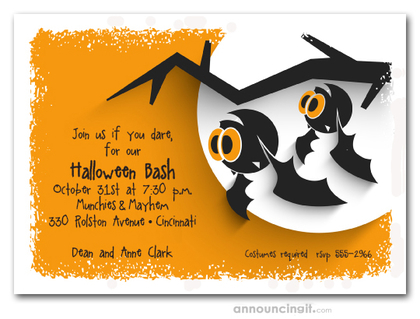 Hanging Bats Halloween Invitations